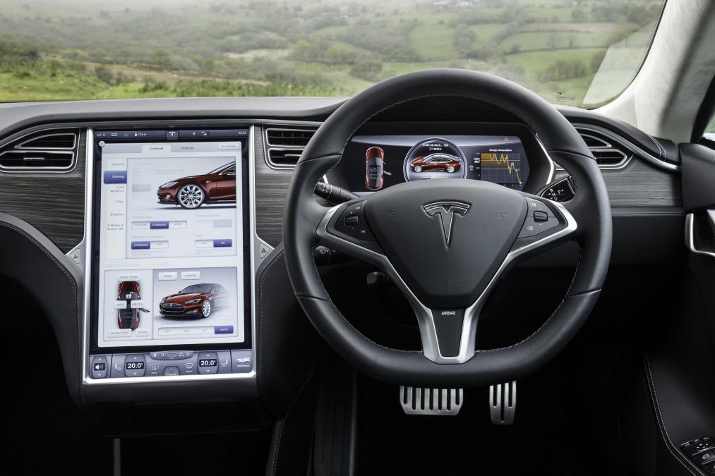 Tesla S интерьер