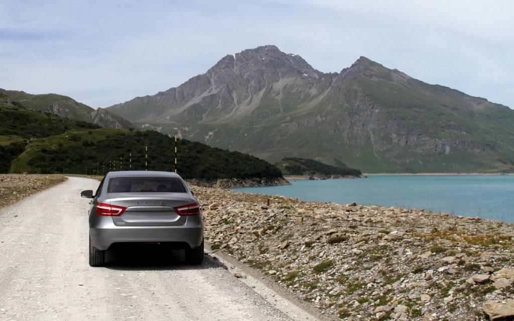 Lada Vesta: внешний вид, сзади